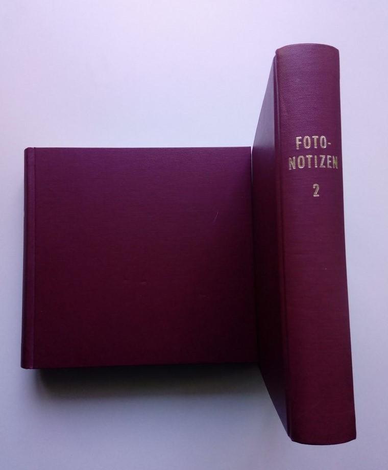 Foto-Notizen - 2 privat gebundene Bände mit dem Namen Foto-Notizen, welche insgesamt 39 Leica-Webebroschüren und Prduktinformationen enthalten